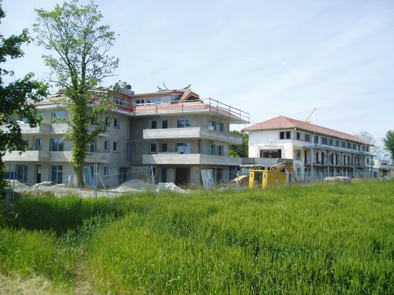 Photographie de logements collectifs en construction